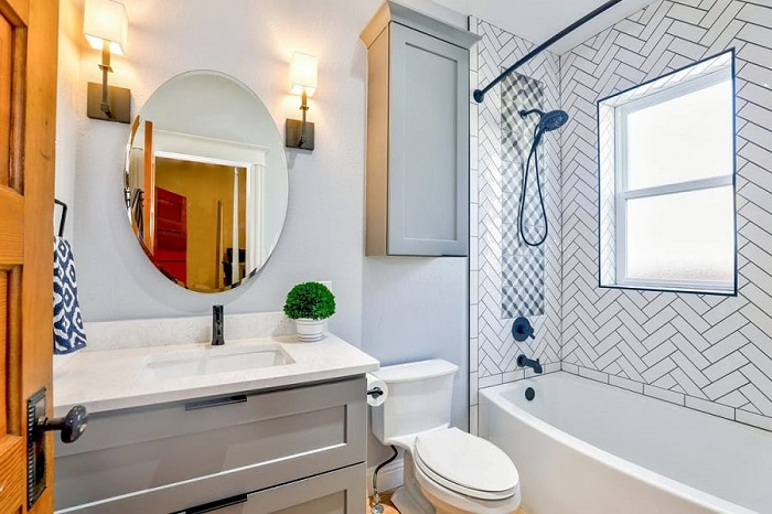 5 Types of Bathroom Mirrors & How to Choose the Best One